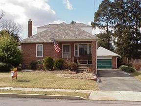 Residential : 114 N. Rockburn Street