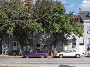 Residential : 127-133 W. High Street