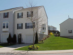 Residential : 16073 Sherwin Court