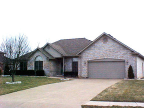 Residential : 10325 Whispering Way