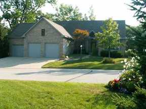 Residential : 7178 Oakenshaw Drive