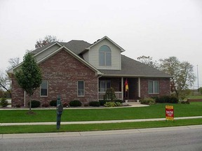 Residential : 385 St. Andrews Drive