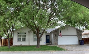 Single Family Home Sold: 605 Quail Hollow Ct