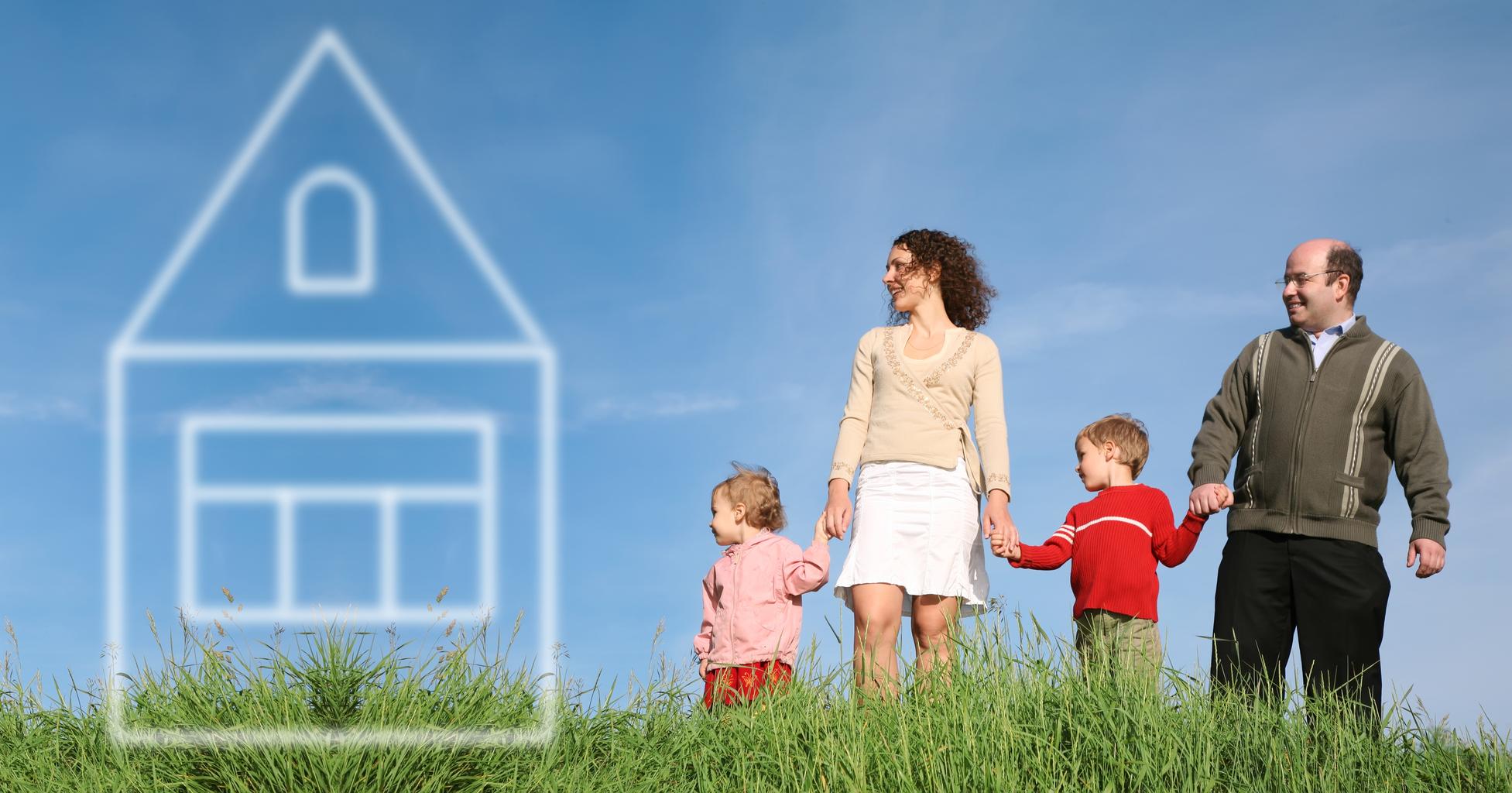 013024687_family_grass_house_dream