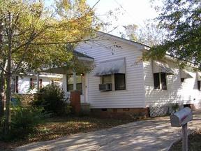 Residential : 519 Rowena St.