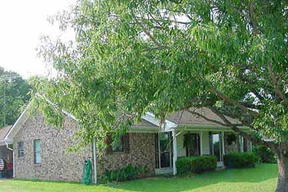 Residential : 972 Old River Road