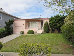 Single Family Home Sold: 4438 Bermuda Avenue