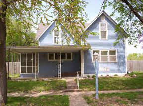 Single Family Home Sold: 513 E Second St