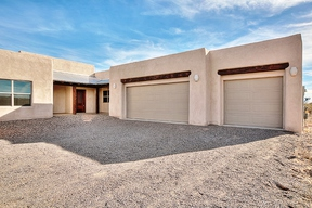Single Family Home $439,900 Seller Rep: 701 Perfecto Lopez