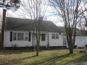 Single Family Home Sold: 300 Thackary St.