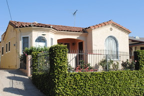 Los Angeles CA Single Family Home Sold: $579,000