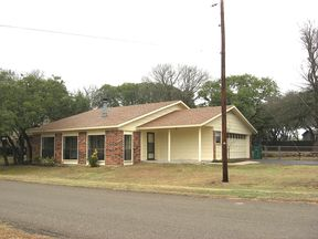 Belton TX Residential For Lease: $1,000 Per Month
