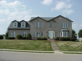 Residential : 922 Thornbury Pl