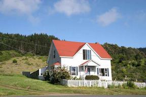Residential : 38941 Hillcrest Terrace