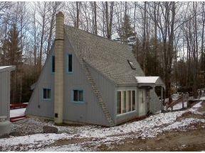 Single Family Home : 13 Birch Circle