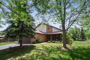 Single Family Home CONTINGENT: 70 West Peiffer Avenue