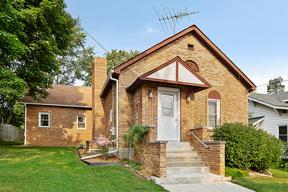 Single Family Home For Sale: 726 Walnut Street