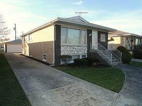 Residential : 7714 S. Luna