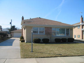 Residential : 8816 Oriole