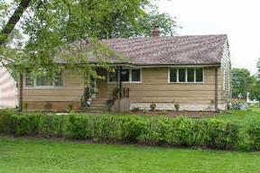 Residential : 7302 S. Oak Grove Ave.