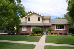 Single Family Home : 1 Aspen Ct