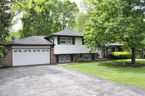 Single Family Home : 2 Liberty Dr