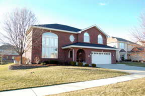 Single Family Home : 1266 Chatham Dr