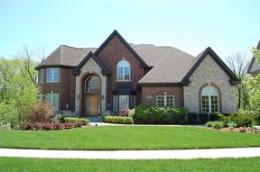 Single Family Home Sale Pending: 54 W Deer Ln.