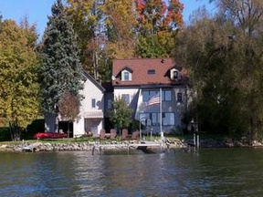 Lake Front Homes Lake Front Homes: 317 Lakeside Drive