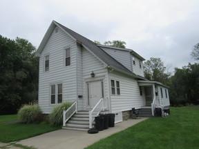 Rental For Rent: 13 Lindsey Avenue #1