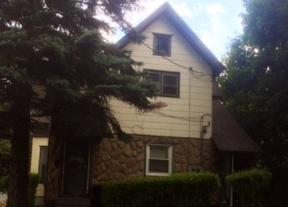 Rental For Rent: 115 King Street #2 upper