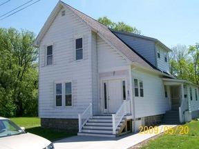 Rental For Rent: 13 Lindsey Ave. #Rear