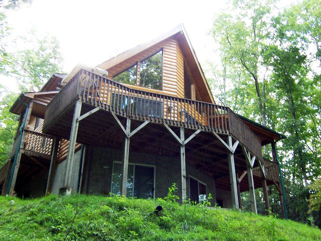 Magnificent D Log Cabin in Otto NC!  John Becker Bald Head, Franklin NC MLS