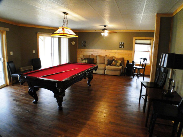Gather the gang in this big Family Room!  Free MLS Search NC
