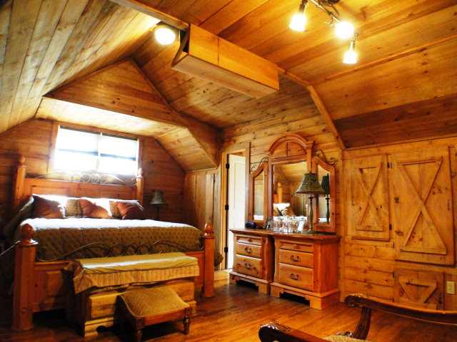 Gorgeous master loft bedroom with master bath, Franklin NC Cabin, Cabins for Sale
