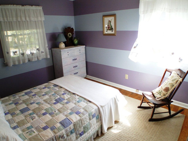 What a cute and cheerful bedroom! Franklin NC, Home for Sale