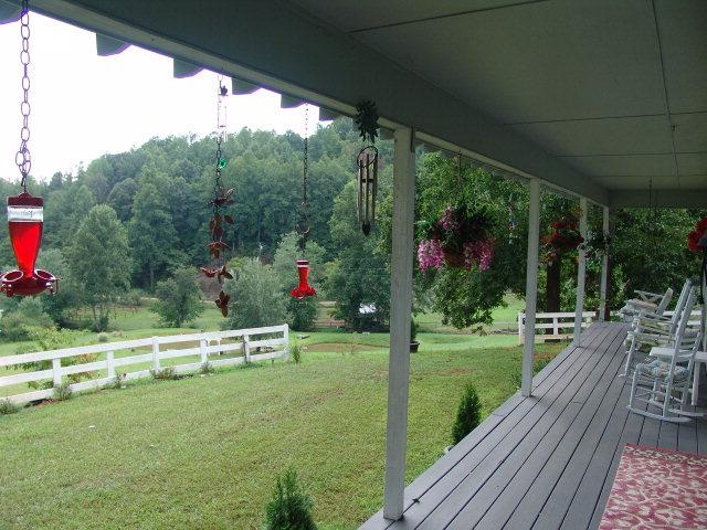 1949 Snow Hill Falls Circle Franklin NC 28734 Real Estate, Franklin NC Farmhouse for Sale, Franklin NC Free MLS Search, Franklin NC Equestrian Hobby Farm Properties, John Becker Baldhead