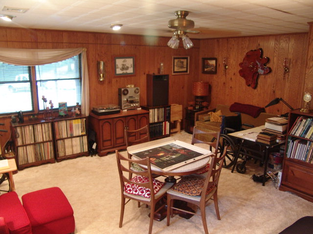 Large family room for your entertainment or hobby purposes!  Free MLS Search, Western North Carolina Homes, Keller Williams