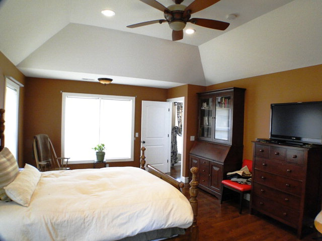Nice high ceilings throughout, including this gorgeous tray ceiling in the Master Bedroom, Bald Head the Realtor
