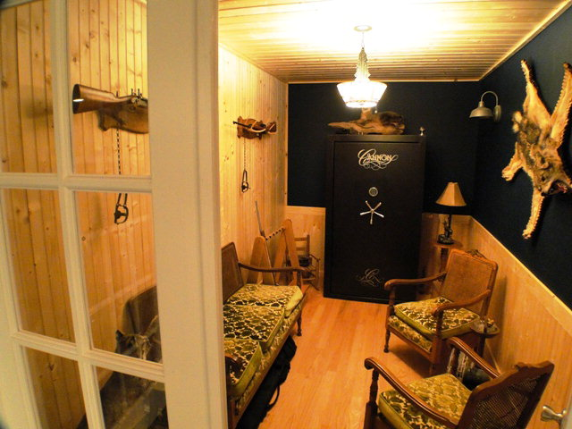 Smoking room or office, Franklin NC Executive Home