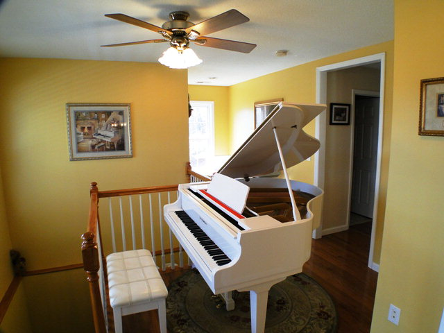 Music room or large foyer, Franklin NC Real Estate, Bald Head the Realtor