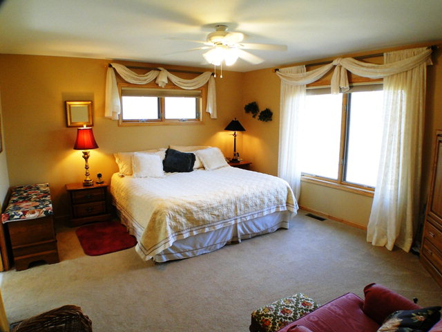 Big comfortable bedrooms, Bald Head the Realtor, Franklin NC
