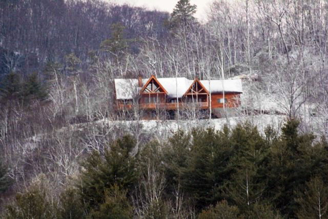 Your luxury mountain home awaits!  Free MLS Search Franklin NC
