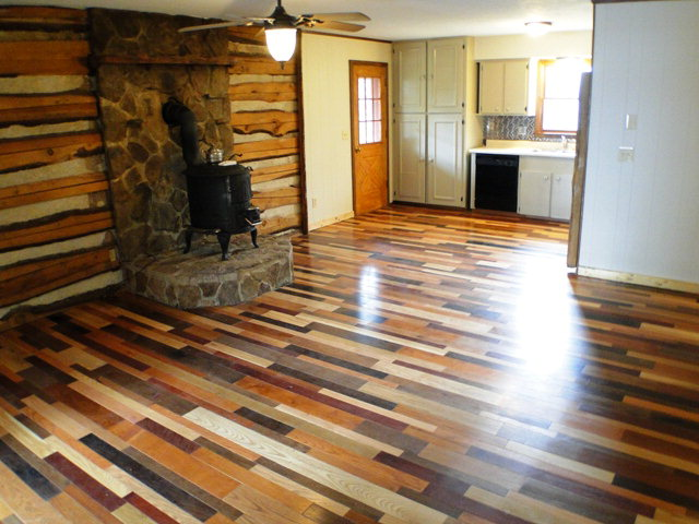 Beautiful living room with pot-bellied stove to keep you warm, Franklin NC, Cottage for Sale