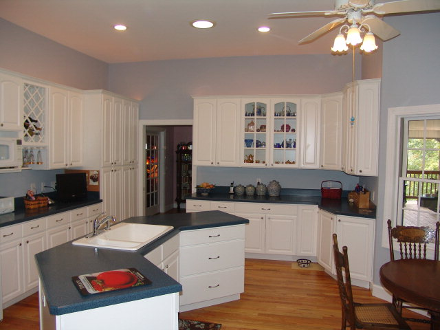 Large country kitchen with 2 electric ovens and a gas stove top, Gourmet Kitchen, Franklin NC