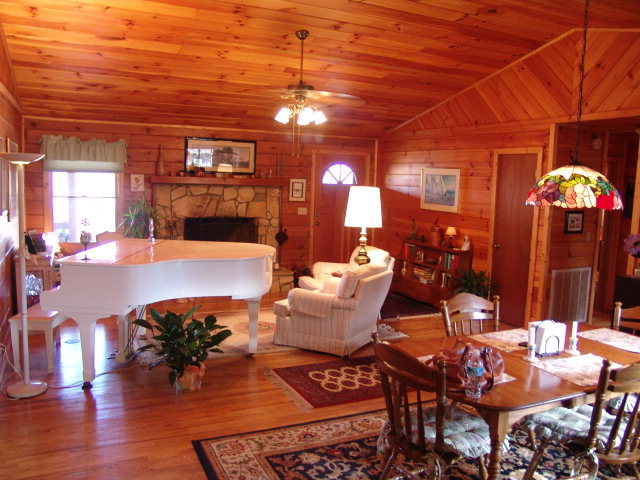 86 Mimosa Lane - Franklin NC Real Estate - Log Home for Sale - John Becker Bald head- real estate by www.baldheadtherealtor.com