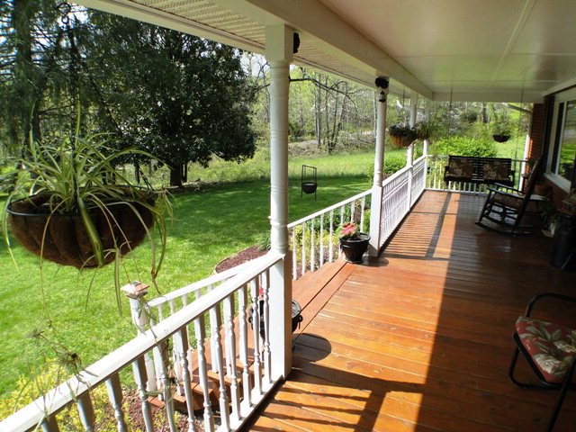 You'll love sitting on the covered deck of this clean and well kept home looking at the lovely year round mountain view! Franklin NC Real Estate
