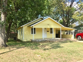 Single Family Home Sold: 402 S 8th Avenue