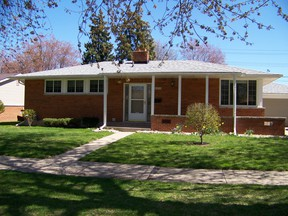 Clinton Twp MI Single Family Home SOLD IN 25 DAYS FOR 75K: $98,000
