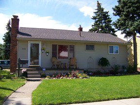 Single Family Home SOLD IN 5 DAYS FOR 64.5K: 15256 Petrie St